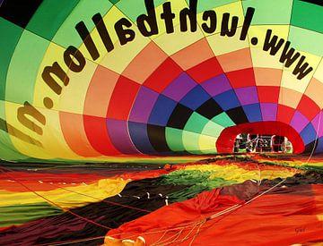 Heteluchtballon van binnen, 3D canvasprint van M  van den Hoven