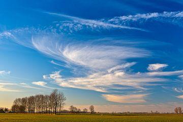 Niederländischer Himmel zwischen Garnwerd und Winsum, Groningen, Niederlande
