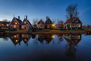 Zaanse Schans während der blauen Stunde von Arnoud van de Weerd