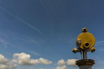 Un télescope sous un ciel bleu sur Andreas Marquardt