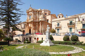Église baroque de San Domenico, Noto, site du patrimoine mondial de l'UNESO, Vale di Noto, province  sur Torsten Krüger
