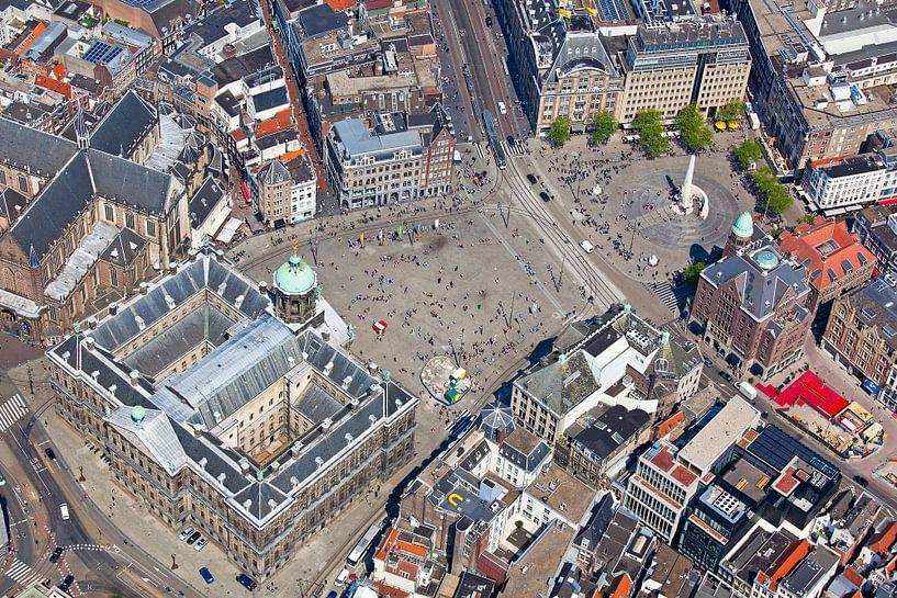 Luchtfoto Koninklijk Paleis Amsterdam en de Dam van Anton de Zeeuw