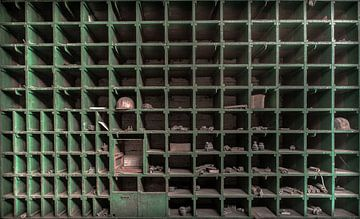 Opbergkast in een fabriek van Olivier Photography
