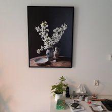 Klantfoto: Stilleven met kersenbloesem op hout van Affect Fotografie, op canvas