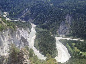 Slingerende Rijn door het Zwitsers landschap(Rijnkloof)