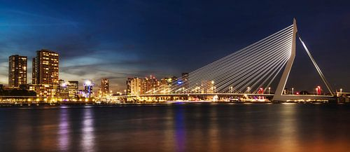 Rotterdam Skyline at night van