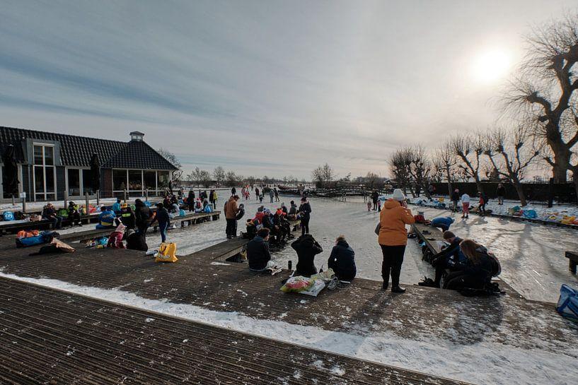 Nieuwkoopse Plassen in de winter met ijs van Arie Bon