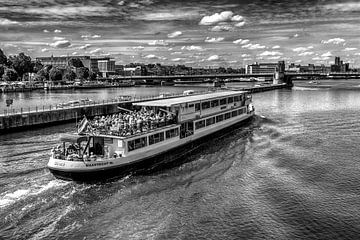 Rondvaartboot von Leo Langen