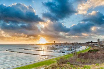 Sonnenuntergang vom Dellewal in West Terschelling von Evert Jan Luchies