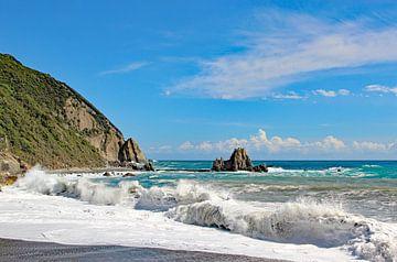 Diepblauwe Zee, Sestri Levante van Wilma Overwijn