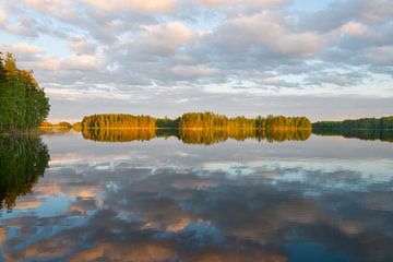 Zonsondergang Saimaa meer in de buurt van Lappeenranta, Finland van Peter Apers
