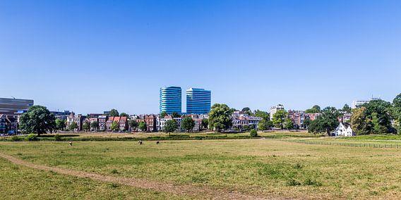 Skyline van de stad Arnhem in Gelderland
