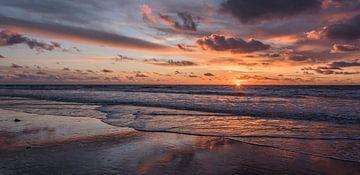 Sunset Himmel am Strand Helder von Alex Hiemstra