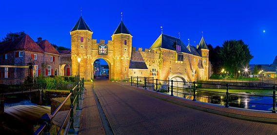 Panorama poortbrug en Koppelpoort Amersfoort van Anton de Zeeuw