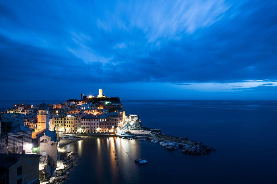 Cinque Terre, Vernazza, Italië van Mark Bonsink