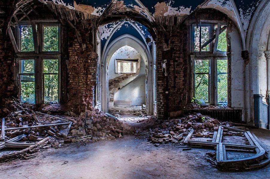 Chateau Noisy - II van Anjolie Deguelle