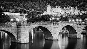 Heidelberger Schloss in schwarz-weiß von Henk Meijer Photography