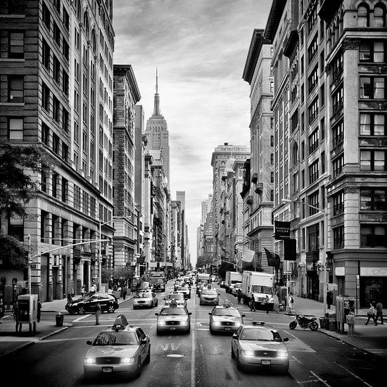 NYC 5th Avenue | Monochroom van Melanie Viola