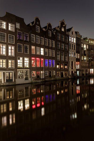 Grachtenpanden Amsterdam van Albert Mendelewski