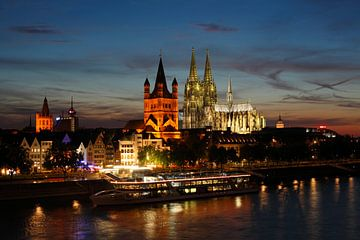 Köln : Altstadt mit Groß St. Martin und dem Kölner Dom von Torsten Krüger