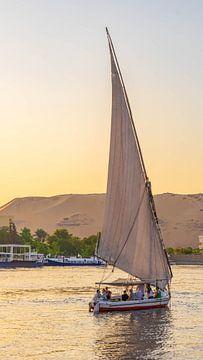 Felucca op de Nijl in Aswan (Egypte) van Jessica Lokker
