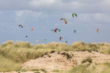 Duinen - kitesurfen van STEVEN VAN DER GEEST