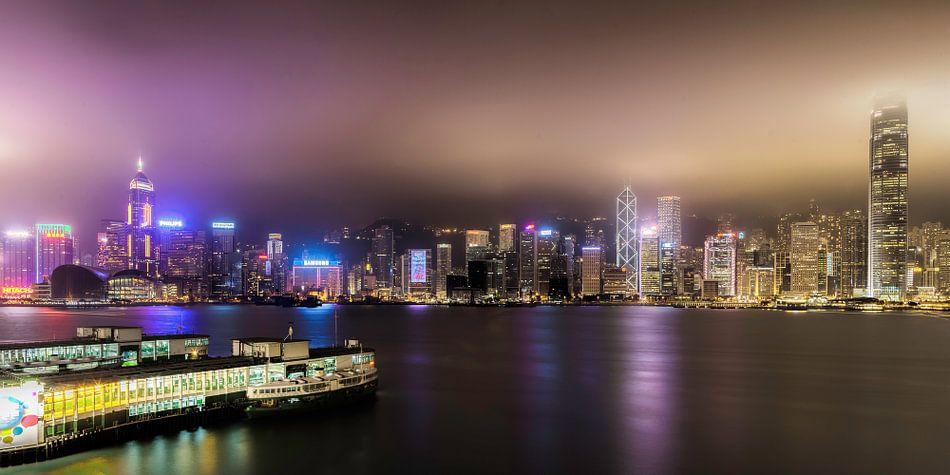 Skyline van Hong Kong van Roy Poots
