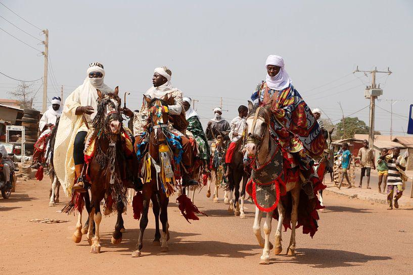 Peulh stamleden op hun paarden van Cora Unk