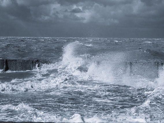Dunkle Wolken über dem Wattenmeer