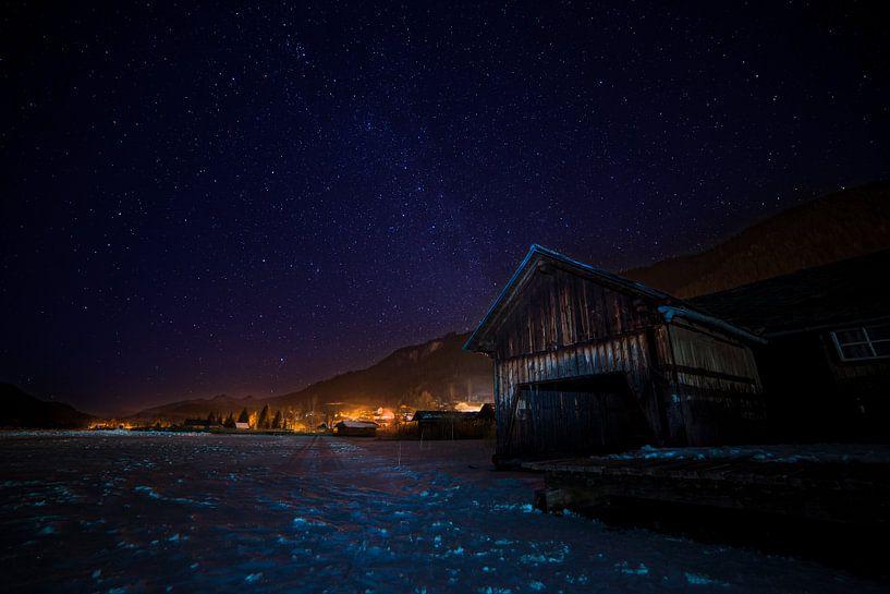 Boathouse under Milky Way, Weissensee, Austria. van Robert van Hall