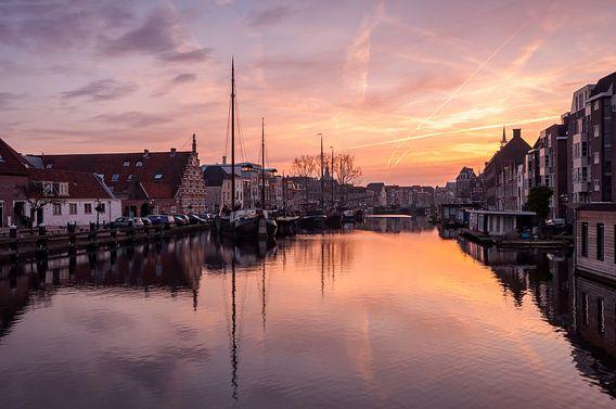 Zonsopkomst boven 't Galgewater in Leiden van Martijn van der Nat