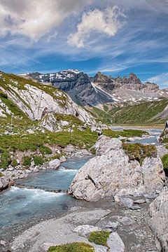 Berglandschaft mit Fluss von jacky weckx