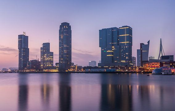 Rijnhaven just after sunset van Ilya Korzelius