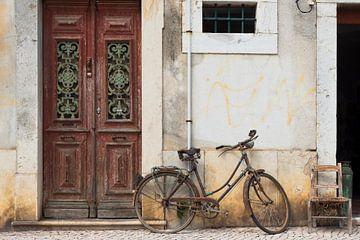 Straattafereel in Faro, Portugal... van Bart Uijterlinde