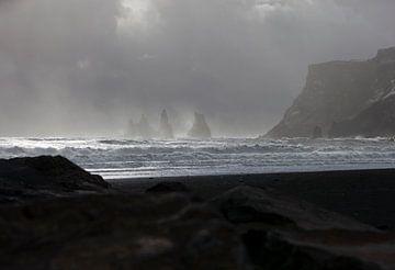 Vík, het zuidelijkst gelegen dorpje van IJsland von Michelle Peeters