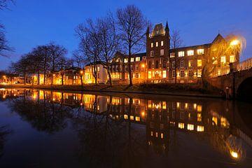 Maliesingel met Hiëronymushuis in Utrecht, foto 2 (versie zonder bus) van Donker Utrecht