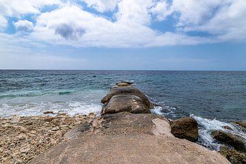 Curacao Pietermaaiweg Zeezicht met Golfbreker van Marly De Kok