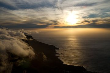 Zonsondergang Tafelberg van Ronald Bruijniks