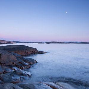 Rots, water, lucht en maan II