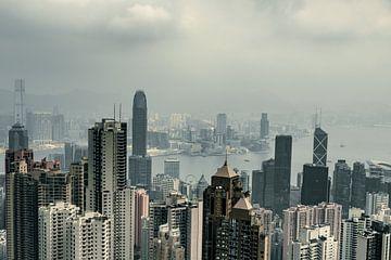 Jour noir à l'horizon de Hong Kong sur Mickéle Godderis