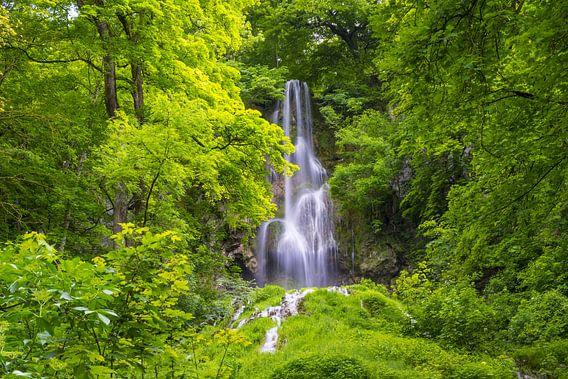 Urach waterfall van Walter G. Allgöwer