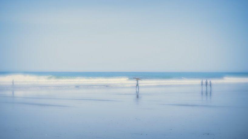At the beach (4) van Rob van der Pijll