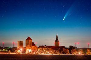 Kasteel Querfurt met komeet Neowise van Martin Wasilewski