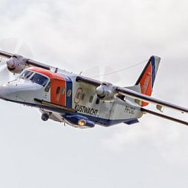 Flugzeuge der Küstenwache von Roel Ovinge