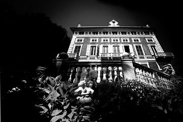 Oude villa, Italië (zwart-wit)
