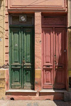 Arme buurt in Buenos Aires van Gerry van Roosmalen