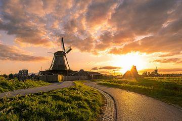 Sonnenuntergang an der Zaanse Schans von Erik Graumans