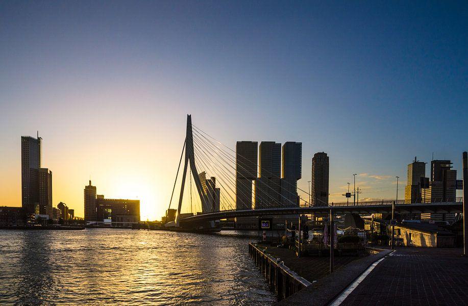 Sunrise in Rotterdam van Ricardo Bouman   Fotografie