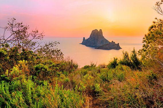 Zonsondergang Es Vedra, Ibiza Spanje van Madan Raj Rajagopal