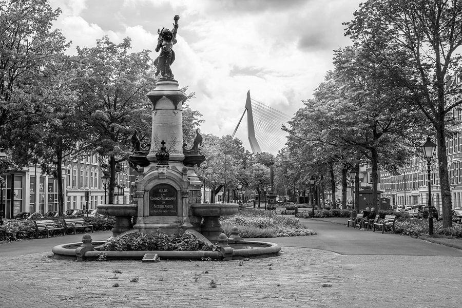 De Wilhelminafontein op het Noordereiland in Rotterdam
